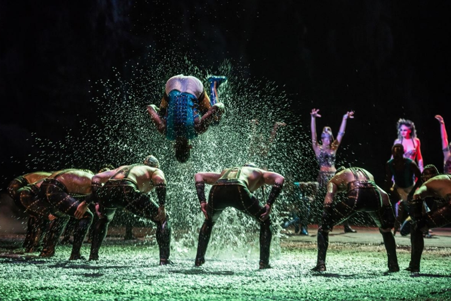 House Of Dancing Water Stunt